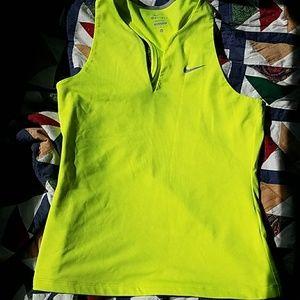 V-neck Nike dri-fit tank